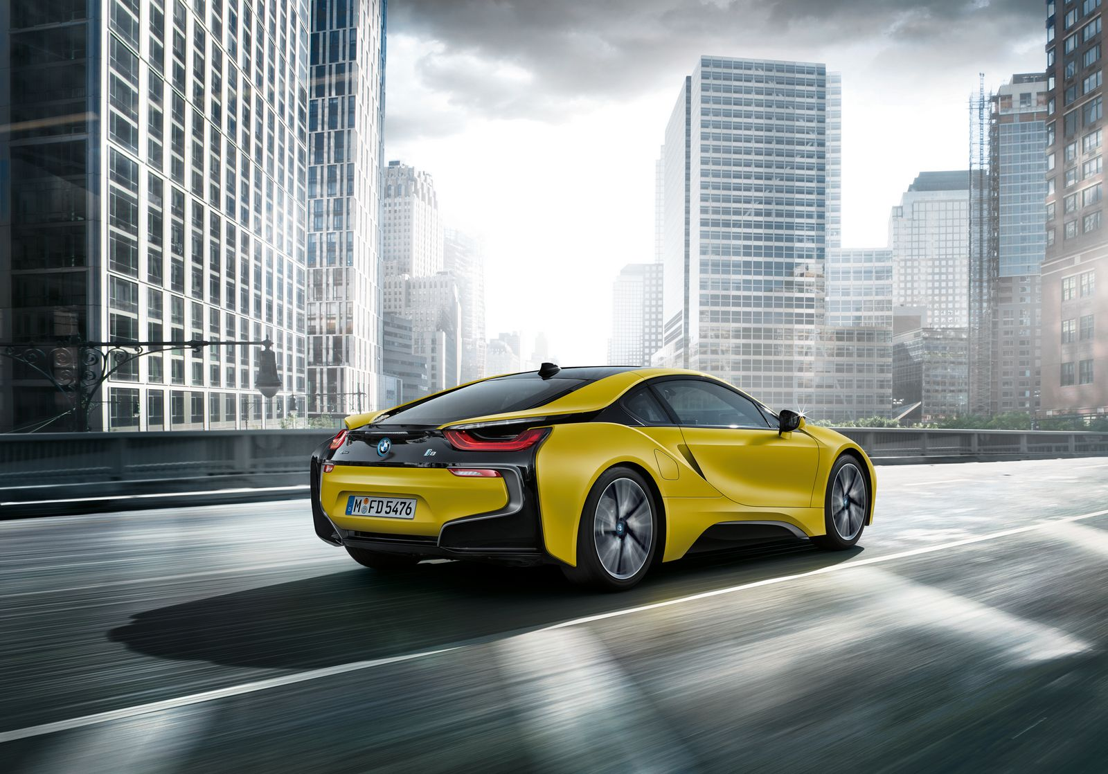 BMW i8 Frozen Yellow 6