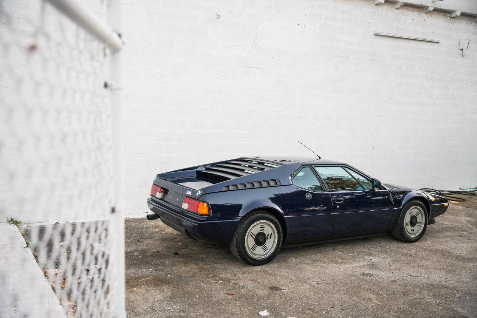 BMW_M1_for_sale_02