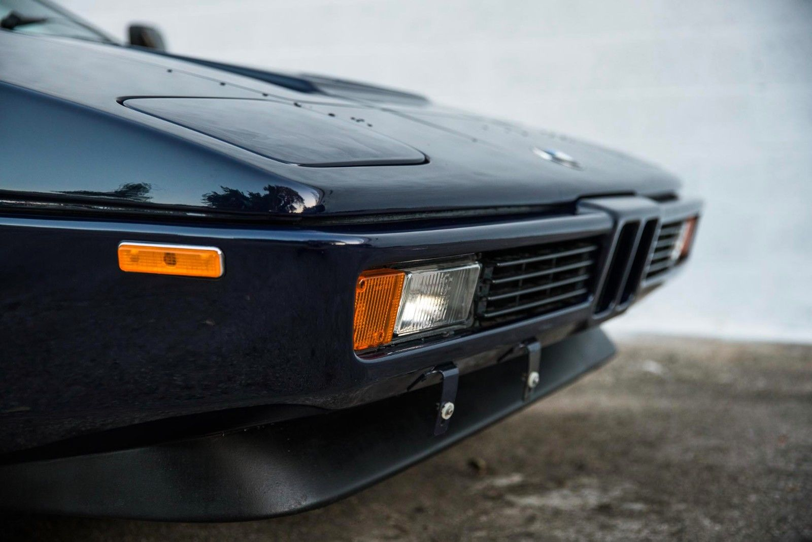 BMW_M1_for_sale_04