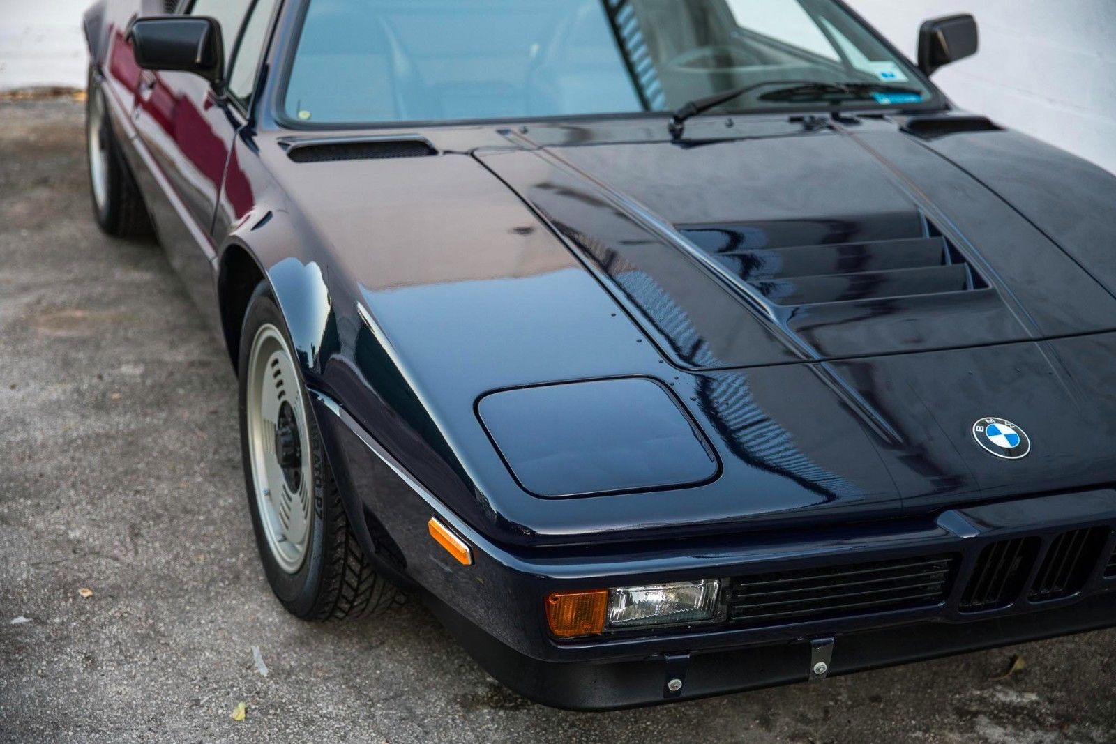 BMW_M1_for_sale_06
