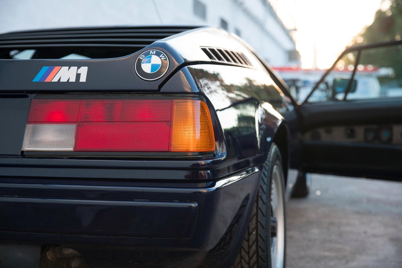 BMW_M1_for_sale_10