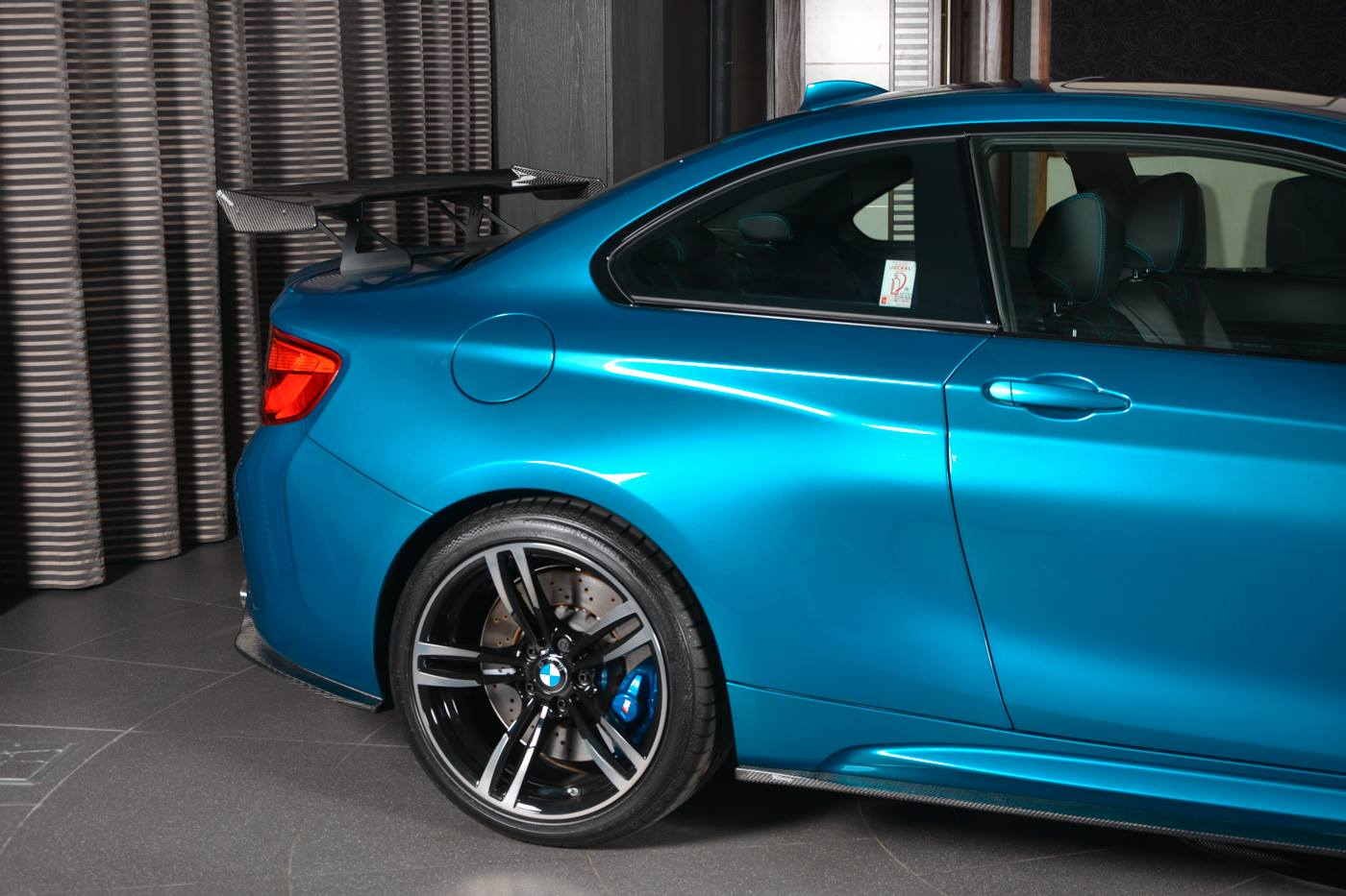 BMW M2 Long Beach Blue carbon (13)