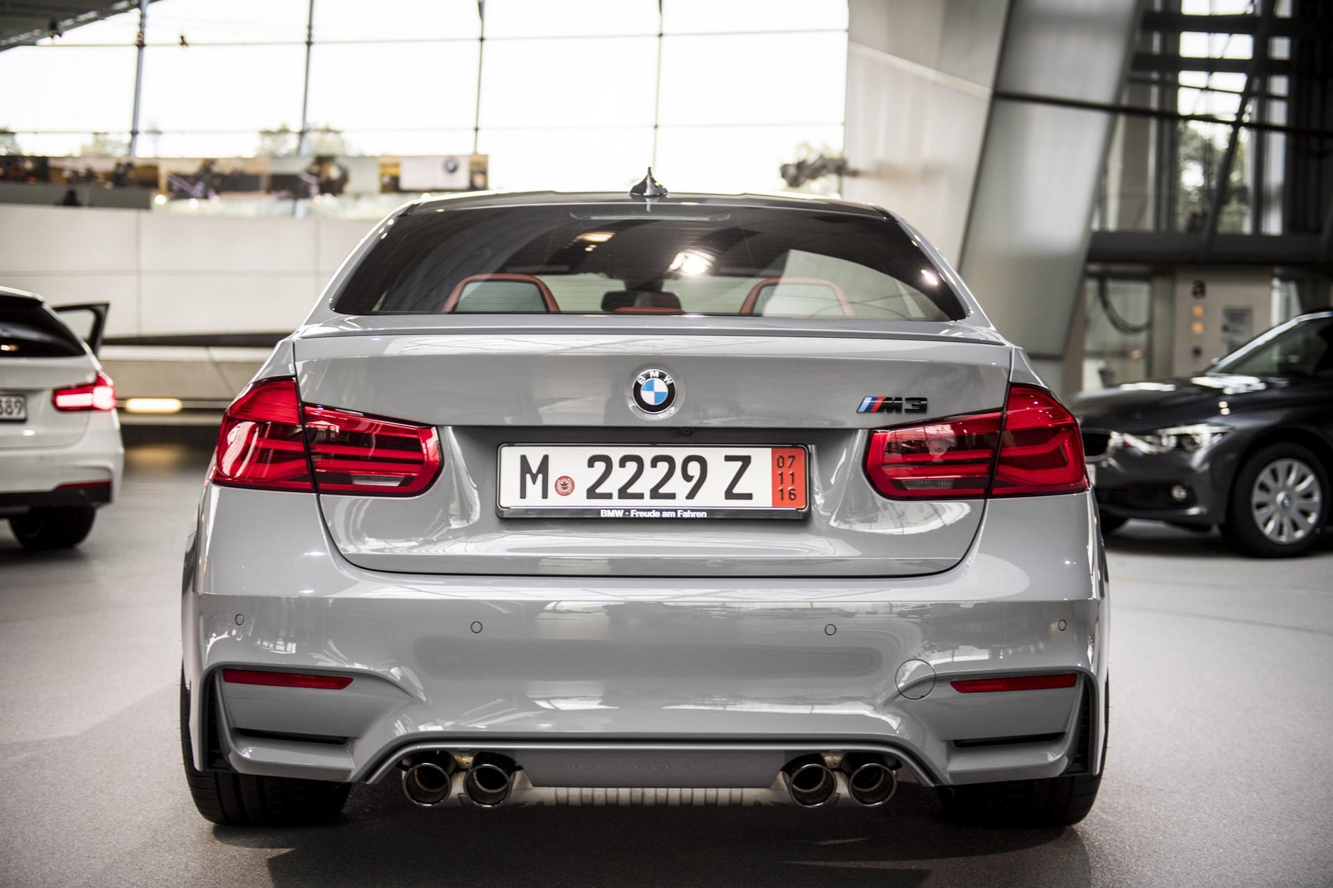 BMW M3 in Nardo Grey color (5)
