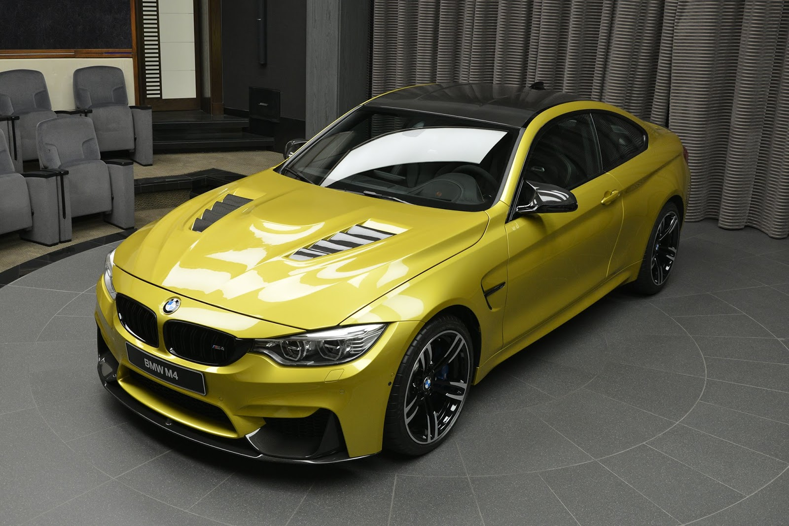 BMW_M4_Austin_Yellow_04