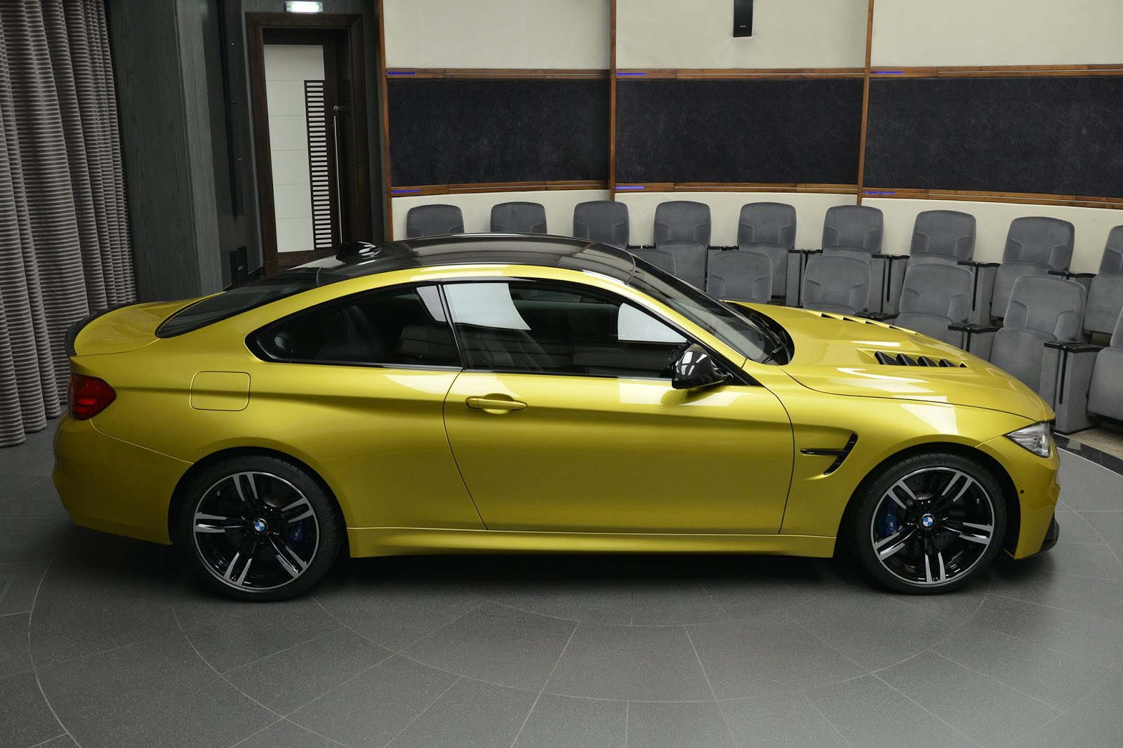 BMW_M4_Austin_Yellow_07