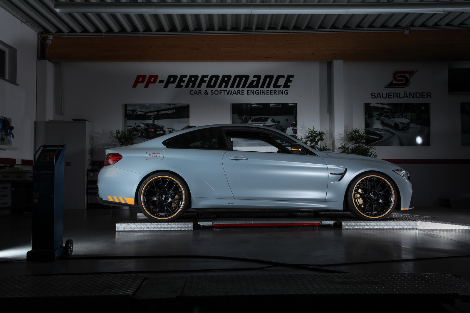 BMW M4 by Cam-Shaft (2)