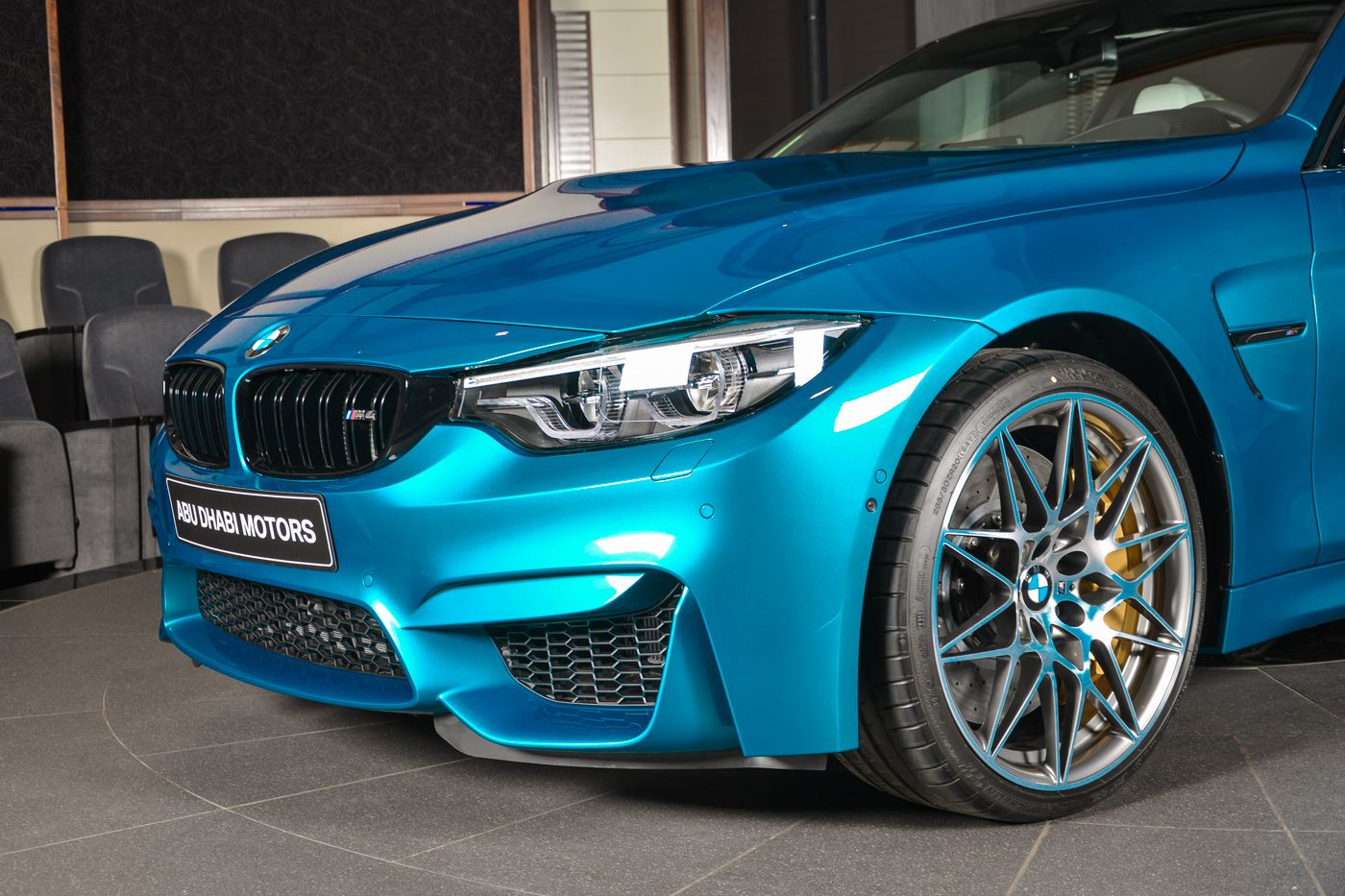 BMW_M4_Competition_Pack_Atlantis_blue_03