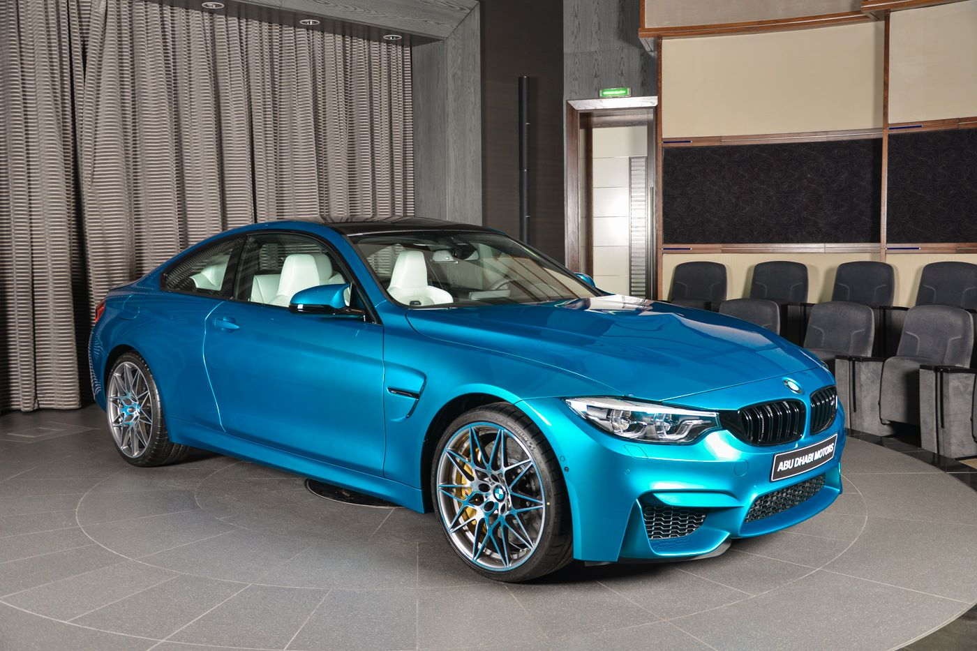 BMW_M4_Competition_Pack_Atlantis_blue_06