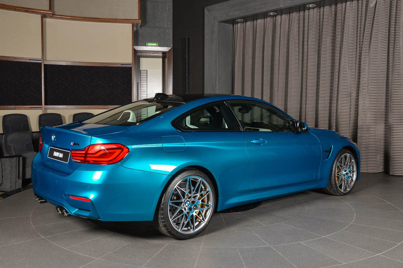 BMW_M4_Competition_Pack_Atlantis_blue_16