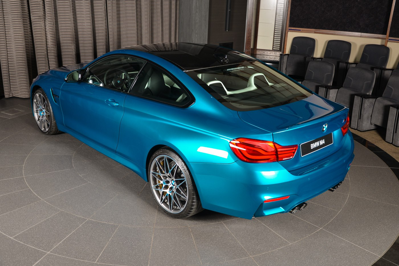 BMW_M4_Competition_Pack_Atlantis_blue_19