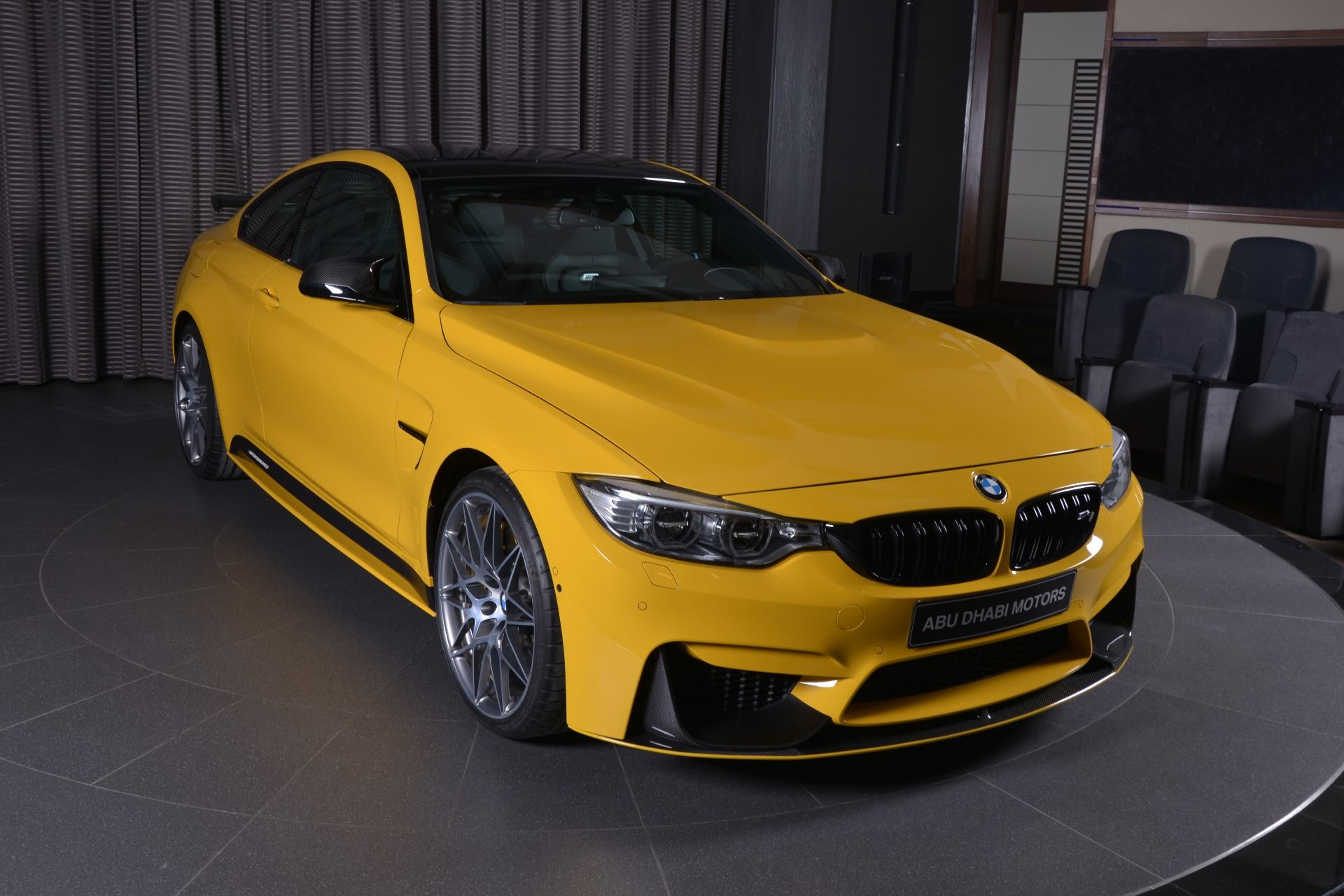 BMW M4 Speed Yellow (1)