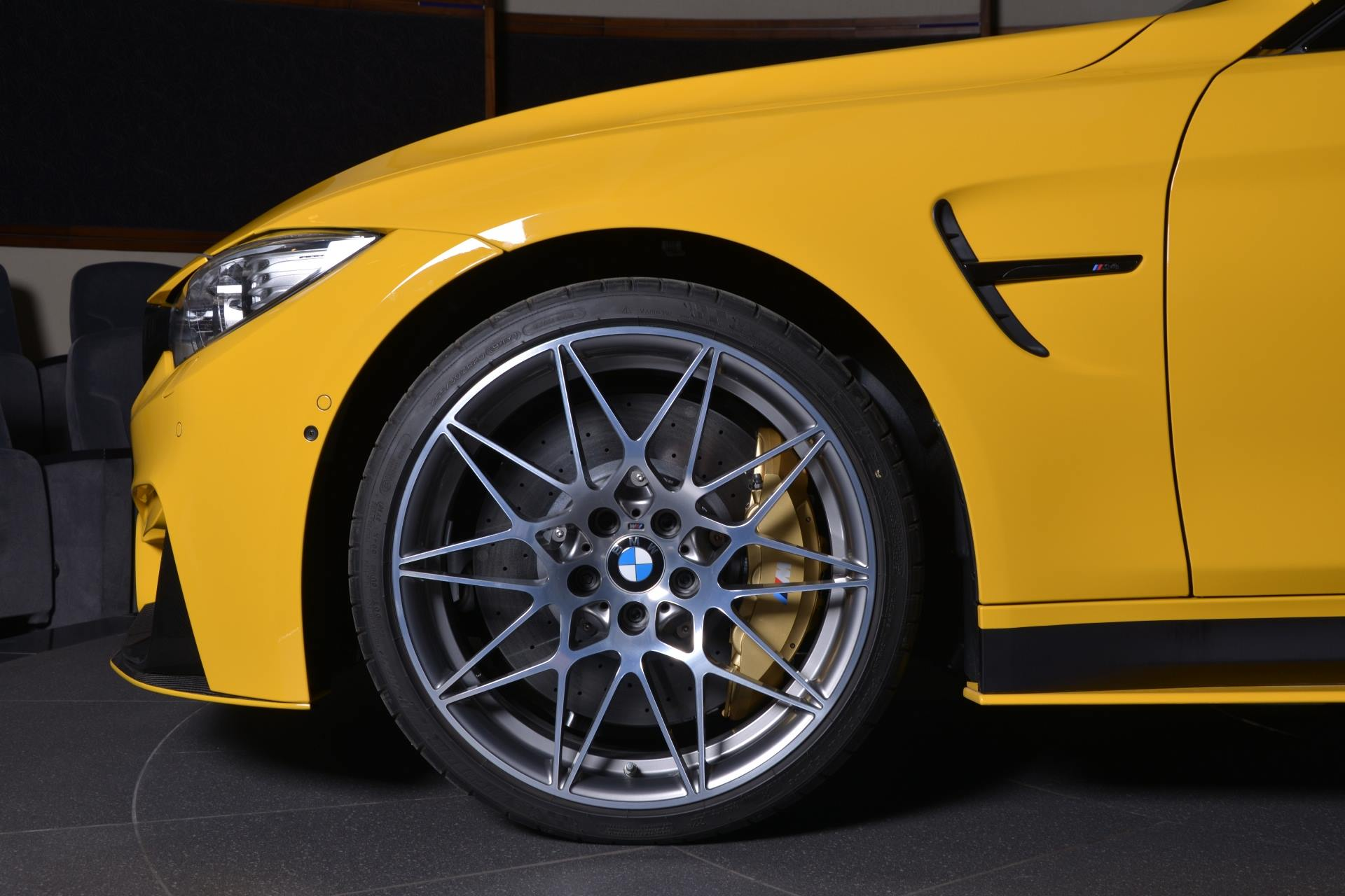 BMW M4 Speed Yellow (21)