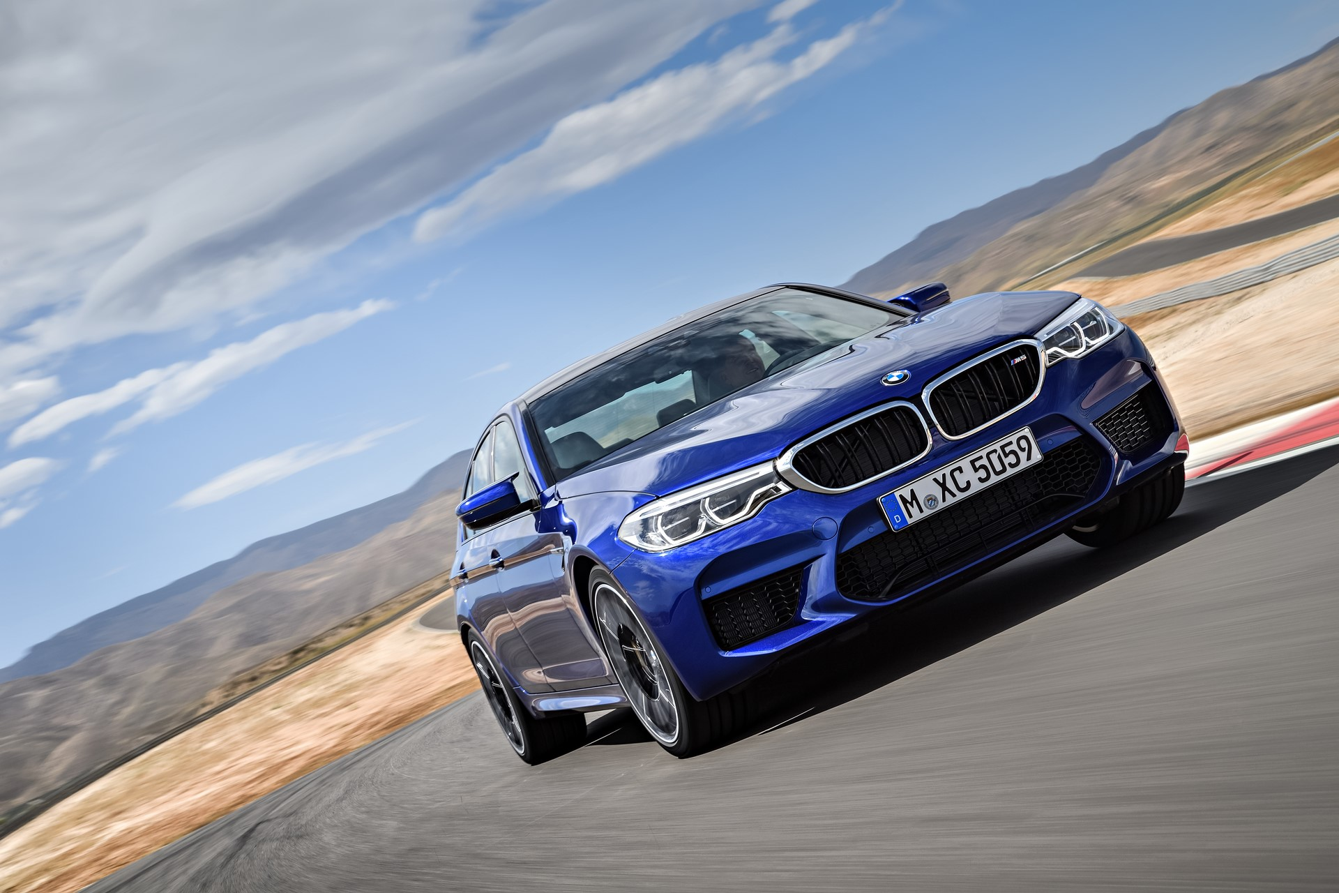 BMW M5 2018 (3)