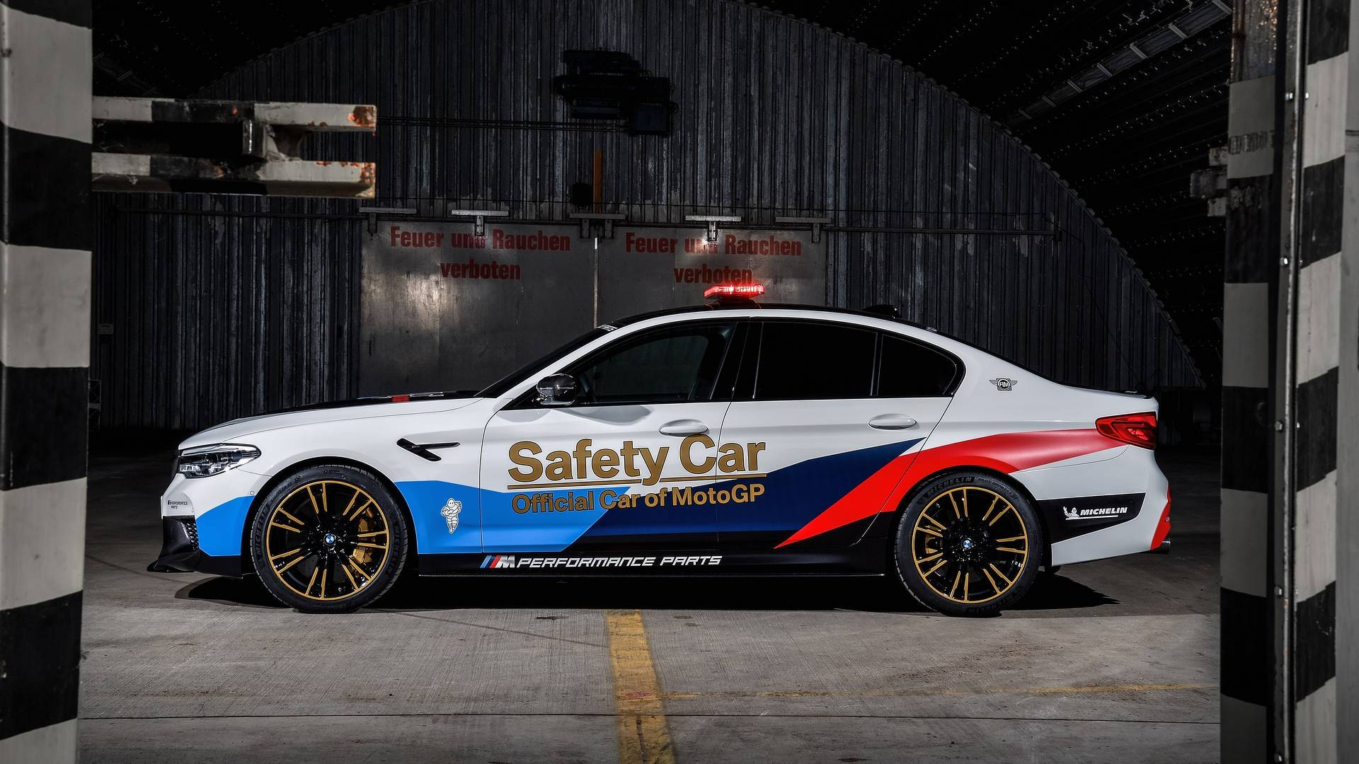 bmw-m5-motogp-safety-car (17)