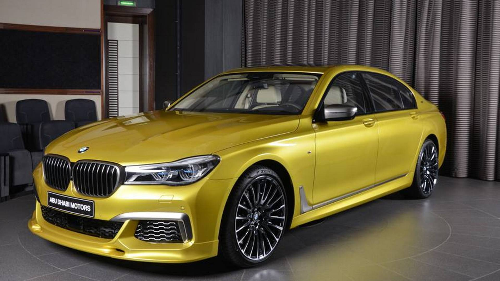 BMW_M60Li_Austin_Yellow_01