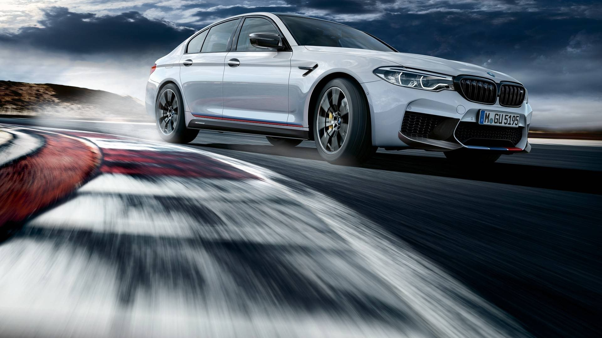 2018-bmw-m5-with-m-performance-parts (1)