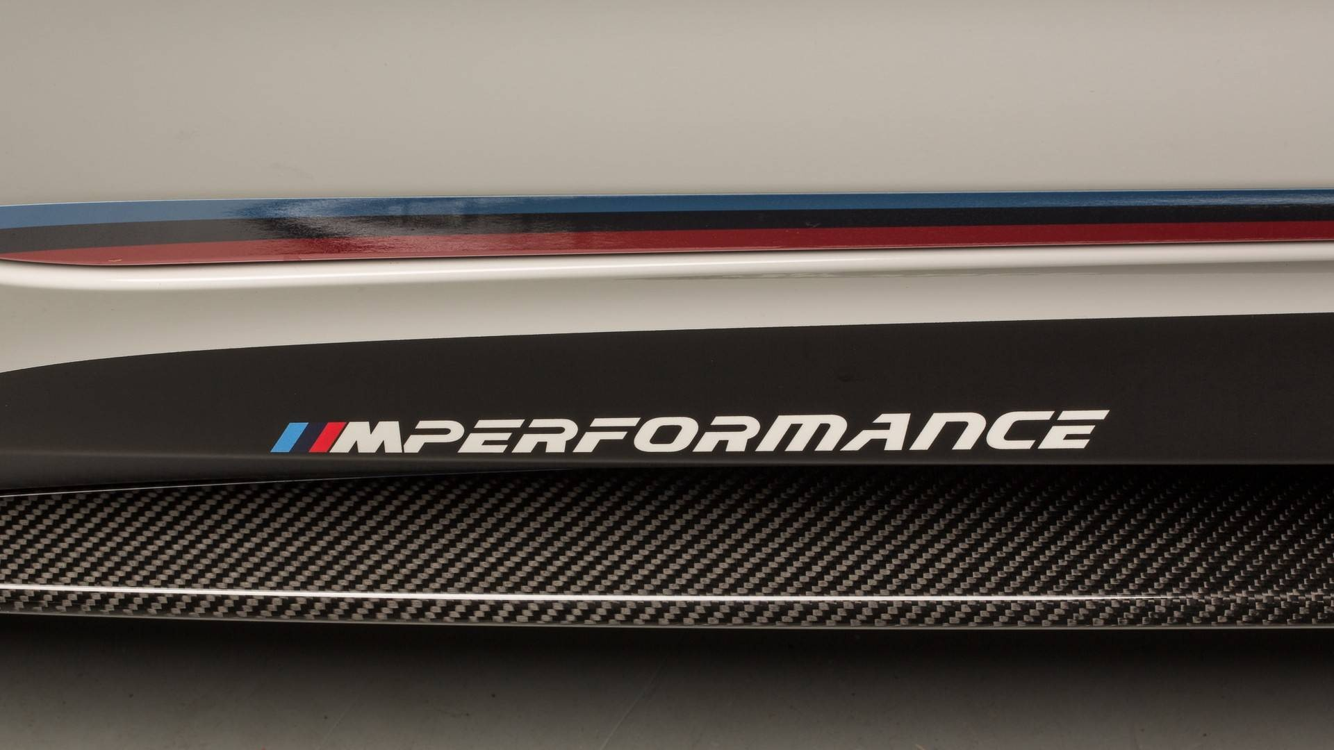2018-bmw-m5-with-m-performance-parts (15)