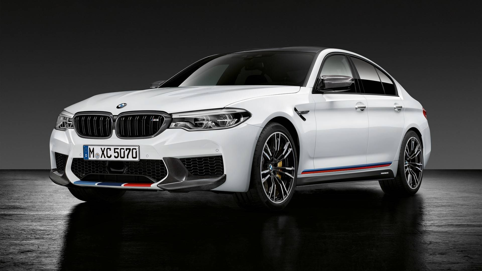 2018-bmw-m5-with-m-performance-parts (2)