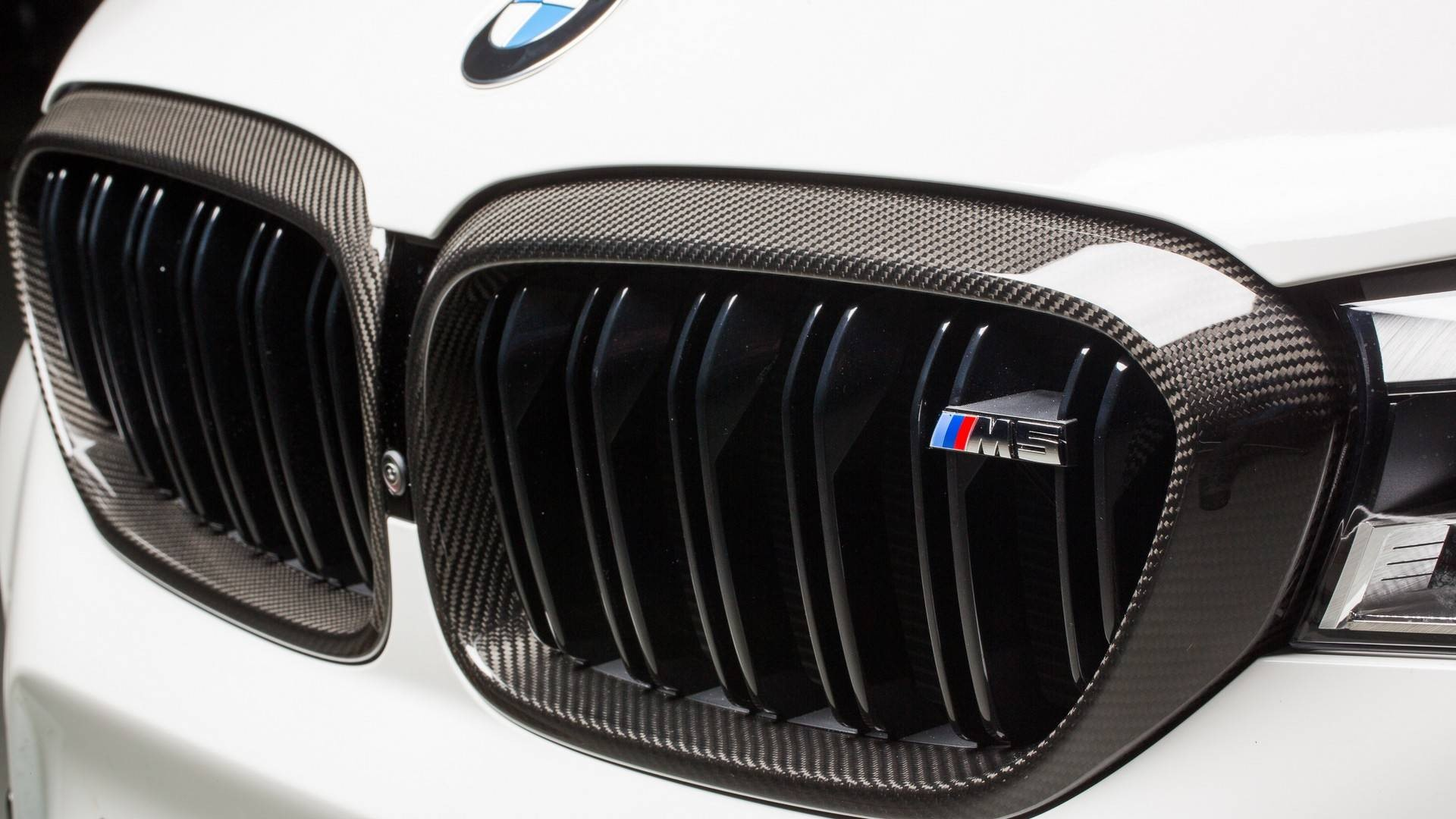 2018-bmw-m5-with-m-performance-parts (7)