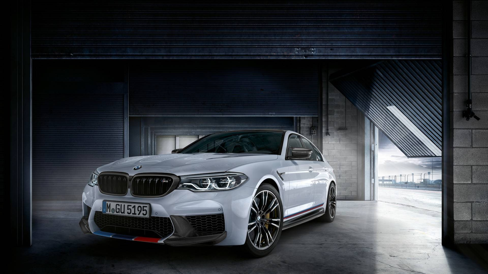 2018-bmw-m5-with-m-performance-parts