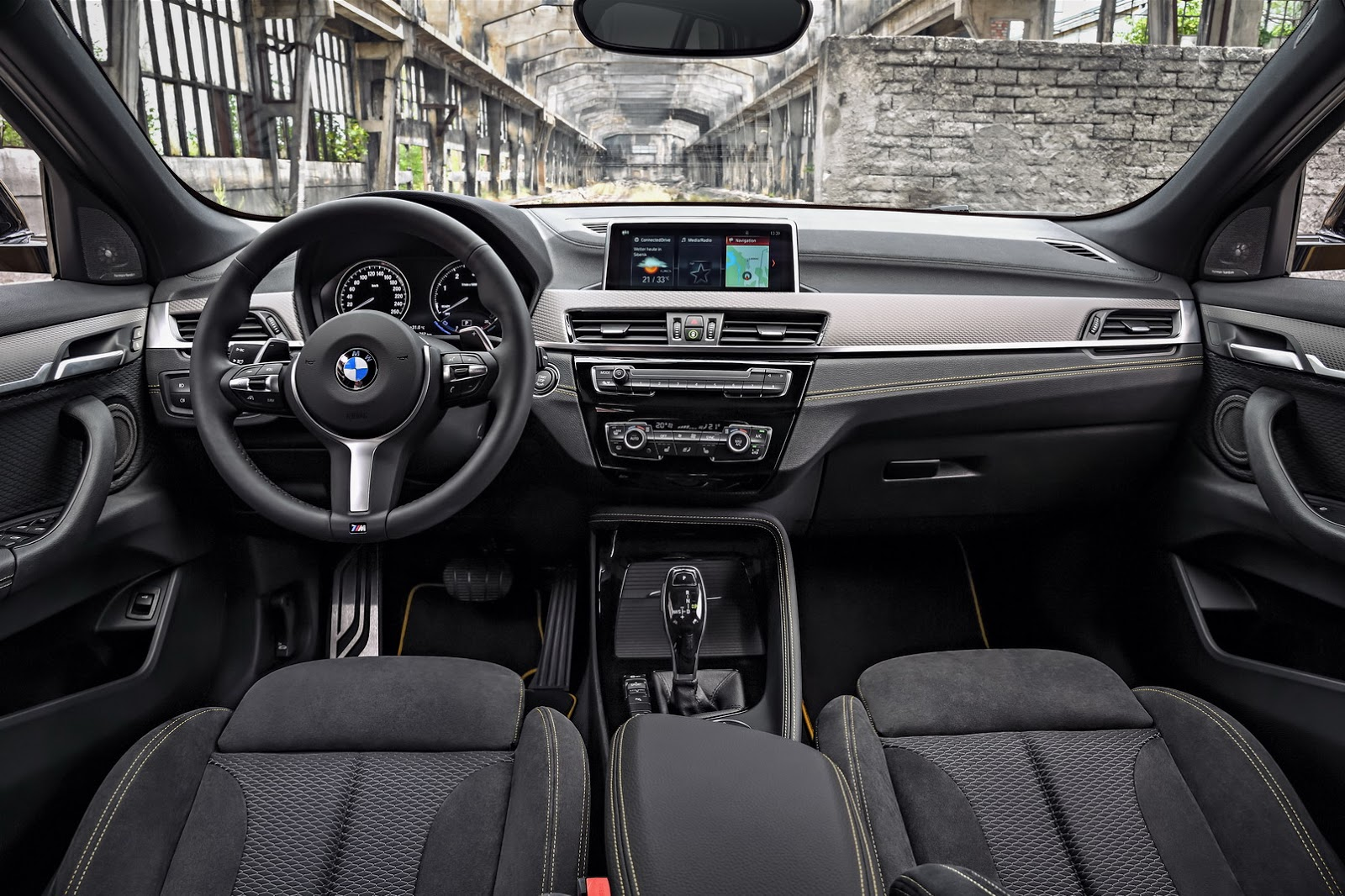 BMW-X2-35