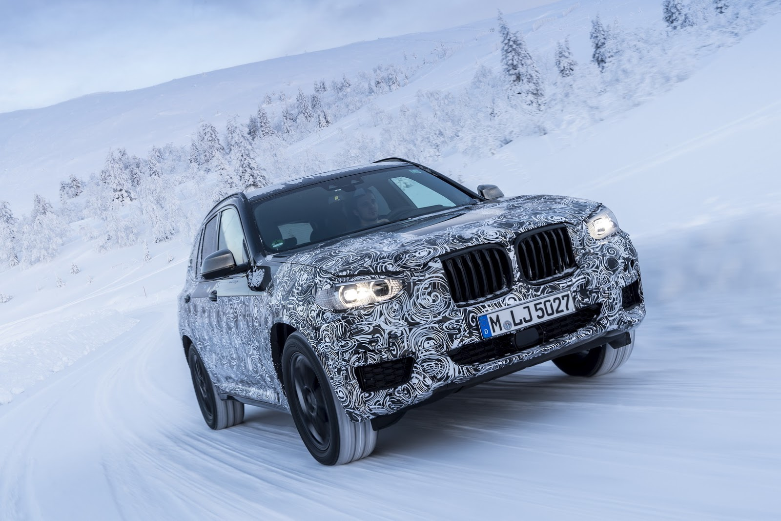 Official_Spy_Photos_BMW_X3_08