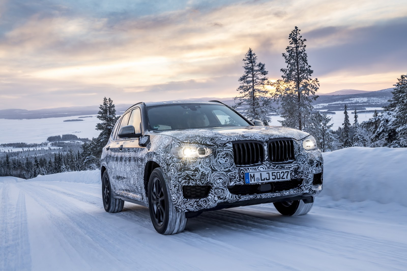Official_Spy_Photos_BMW_X3_09