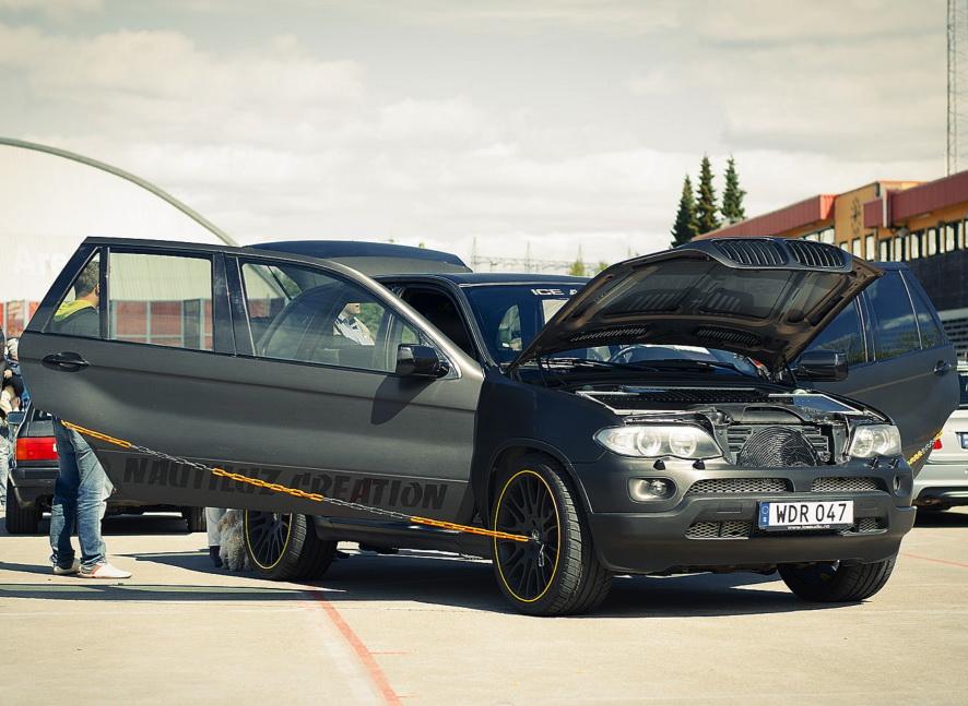 BMW X5Six-Wheel (21)