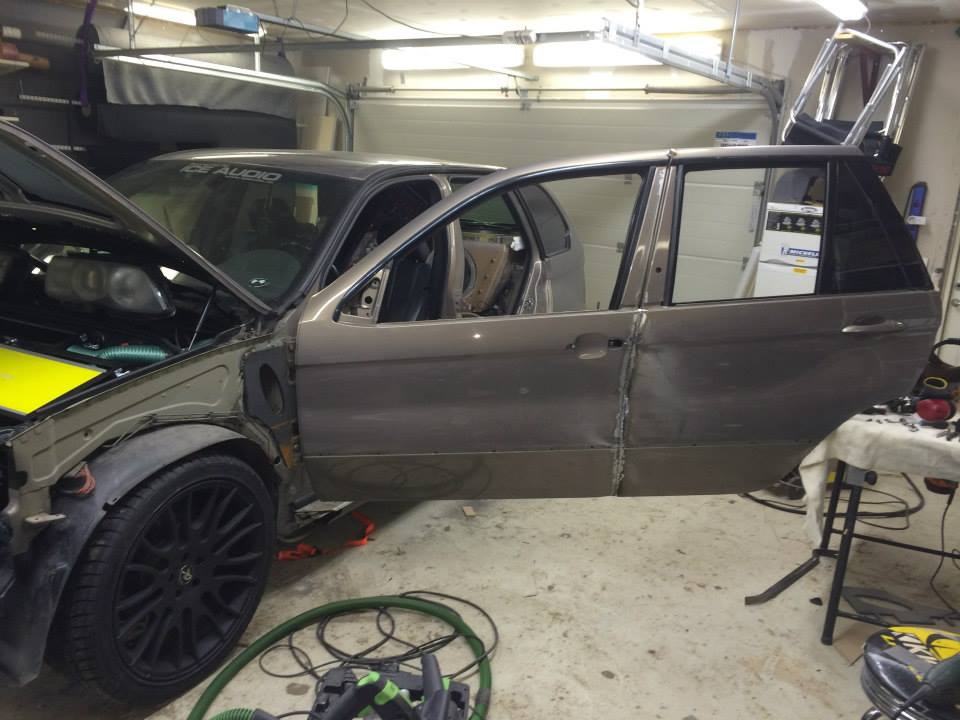 BMW X5Six-Wheel (23)