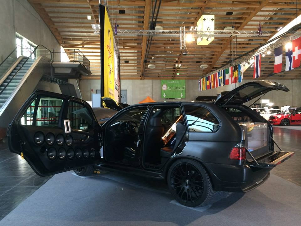 BMW X5Six-Wheel (27)