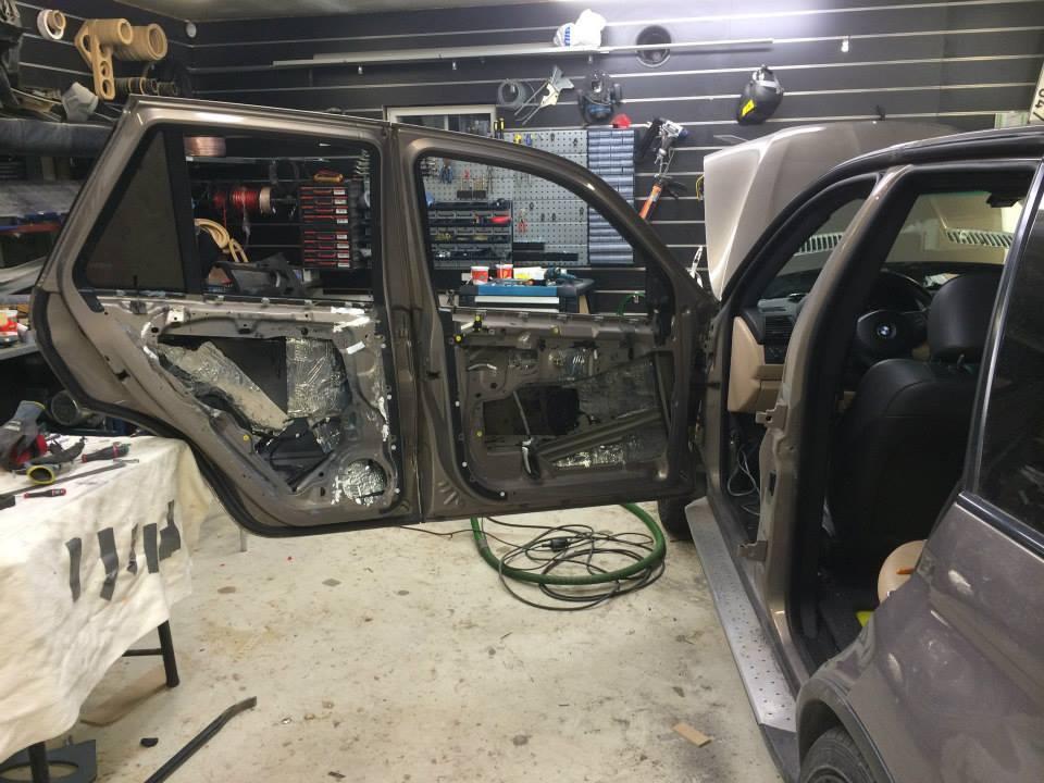 BMW X5Six-Wheel (28)