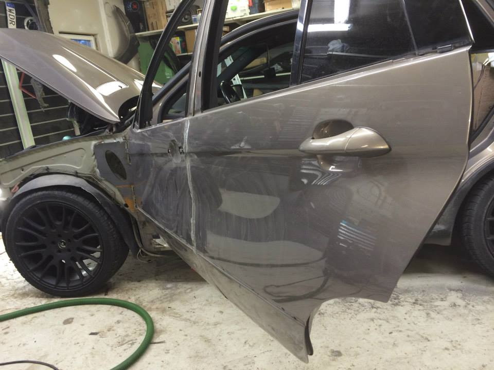 BMW X5Six-Wheel (9)