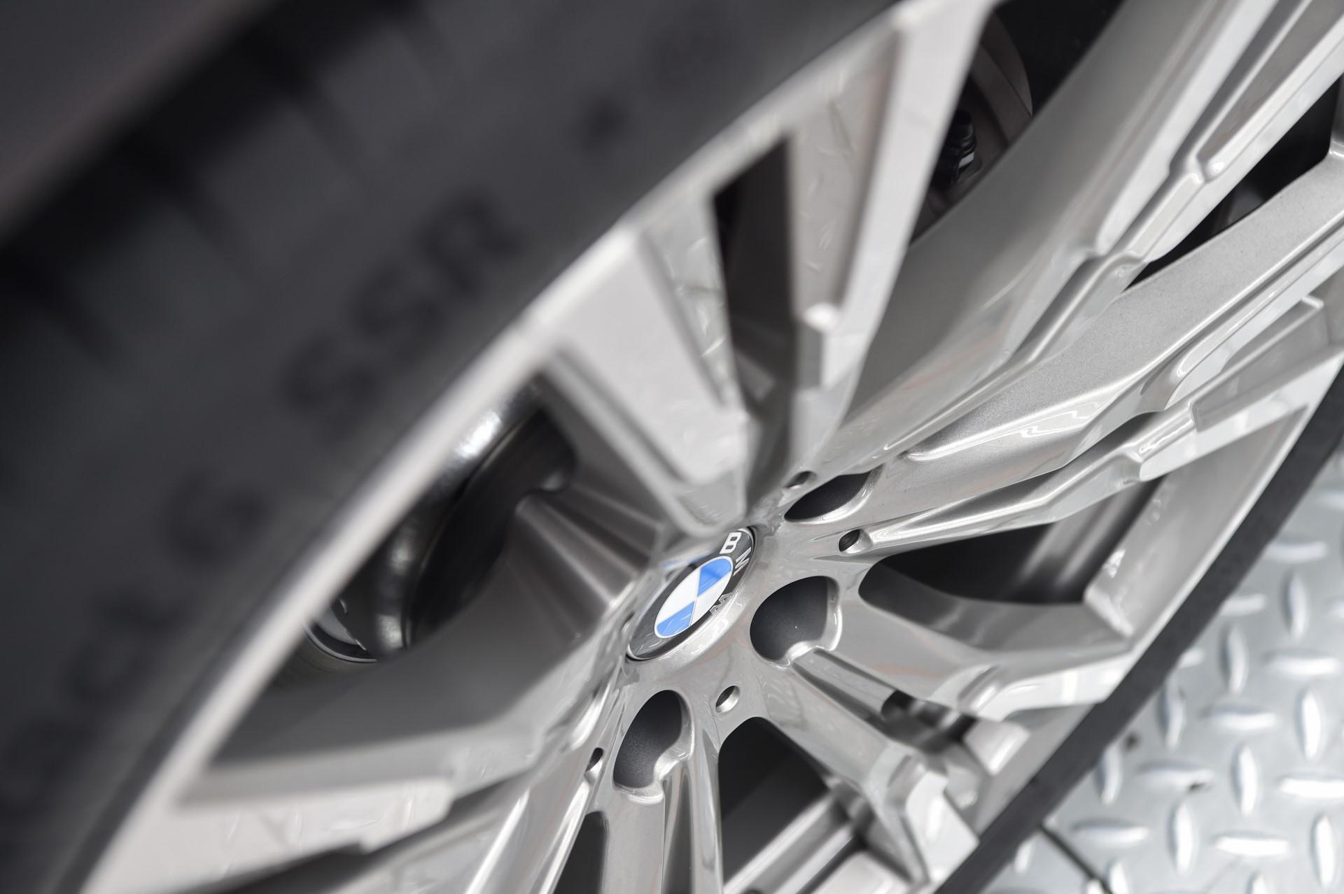 BMW X7 pre-production (24)