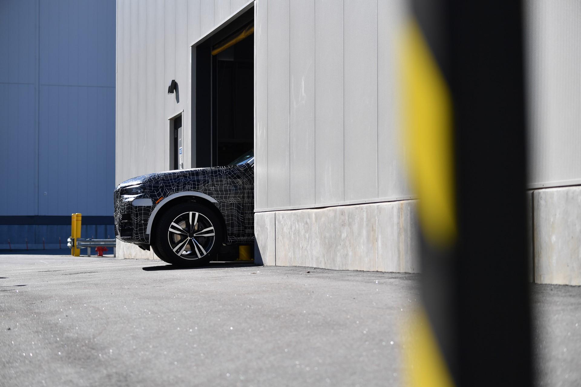 BMW X7 pre-production (3)