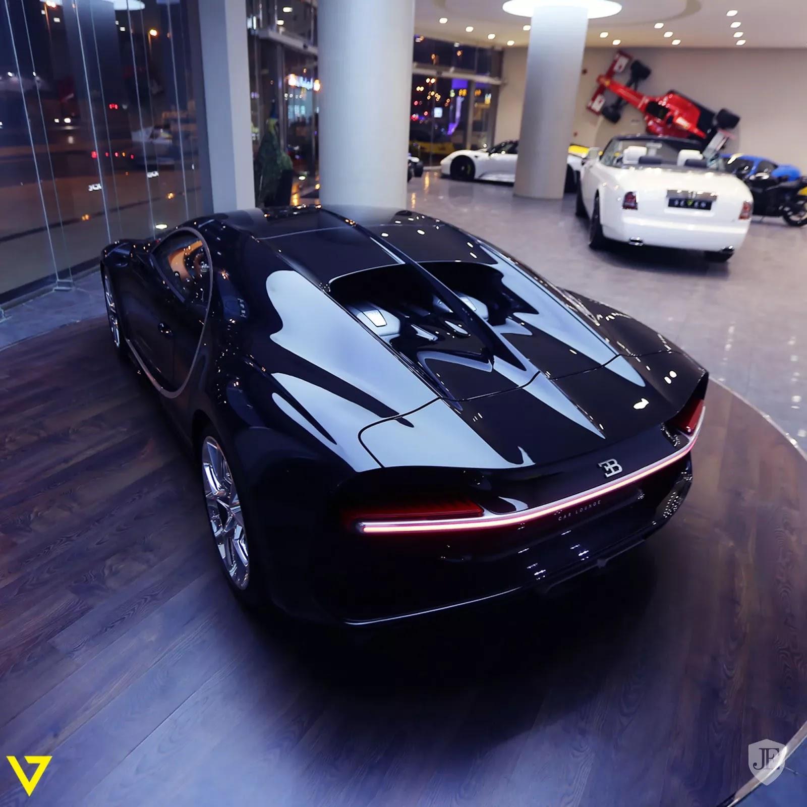 Bugatti Chiron Bugatti_Chiron_for_sale_0001