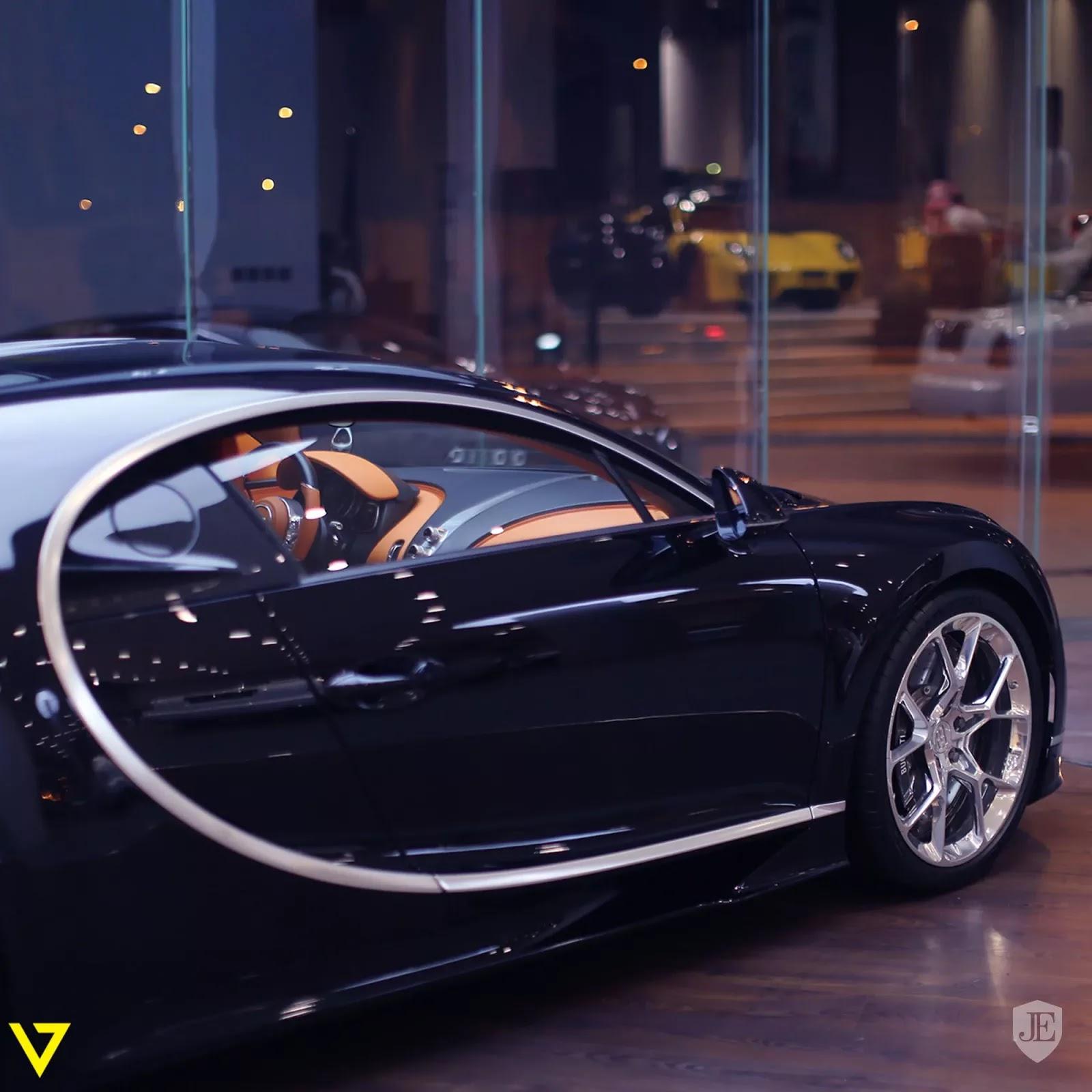 Bugatti Chiron Bugatti_Chiron_for_sale_0002