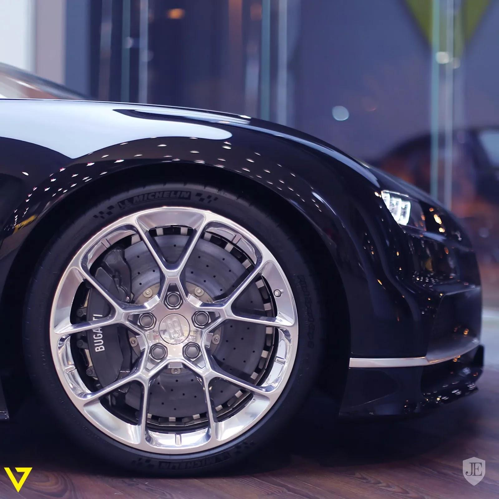 Bugatti Chiron Bugatti_Chiron_for_sale_0006