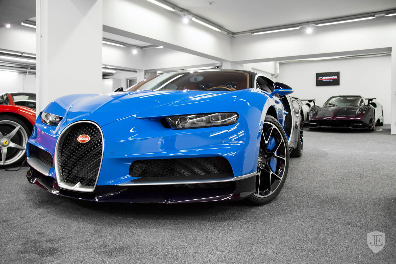 Bugatti_Chiron_for_sale_02