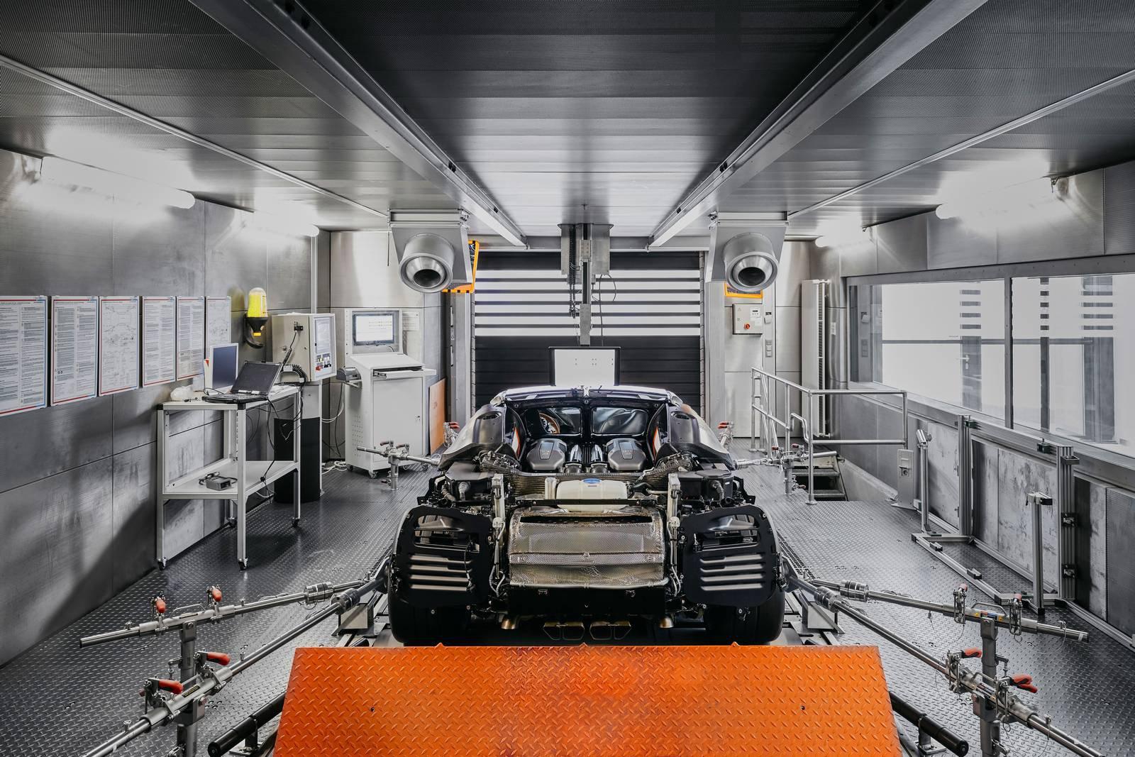 Bugatti Chiron production plant factory (8)