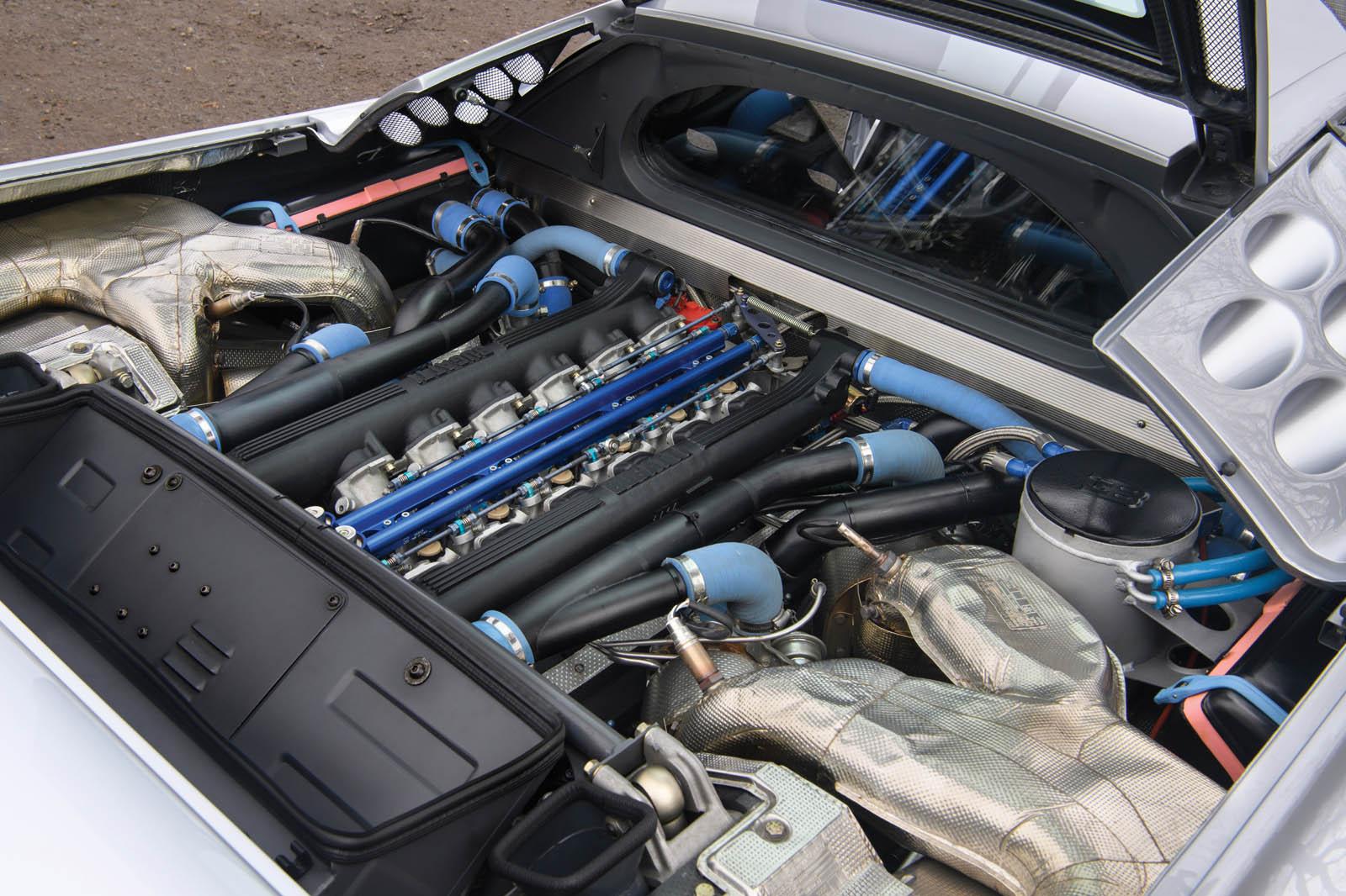 bugatti-eb110-ss-prototype-22