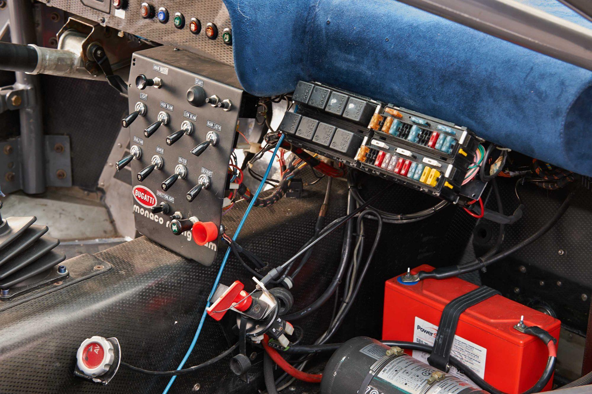 Bugatti_EB110_SS_Race_Car_0006