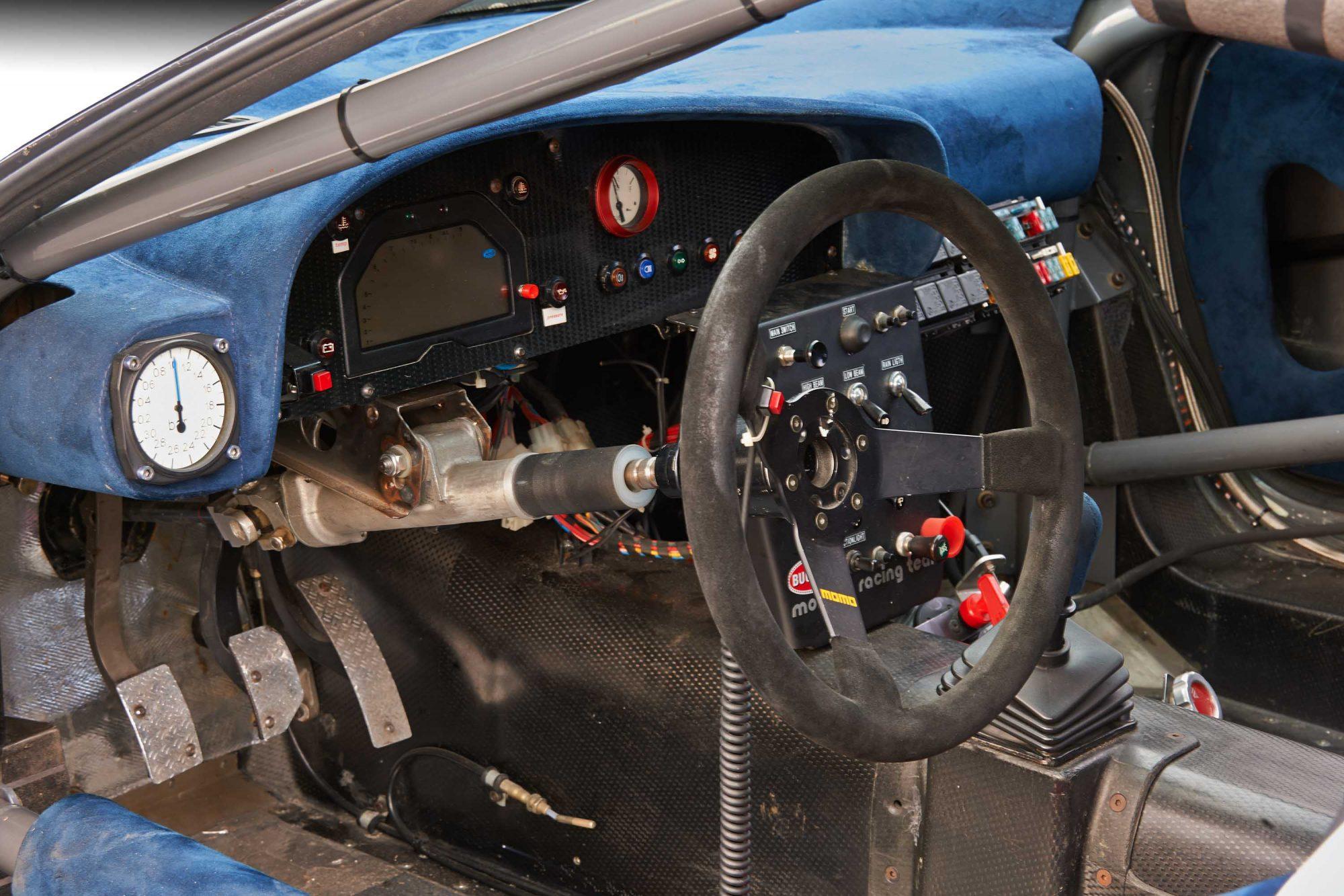 Bugatti_EB110_SS_Race_Car_0011
