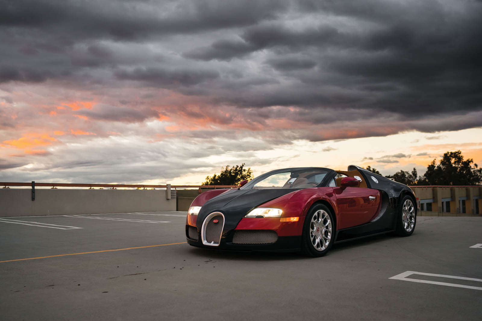 Bugatti_Veyron_Grand_Sport_for_sale_01