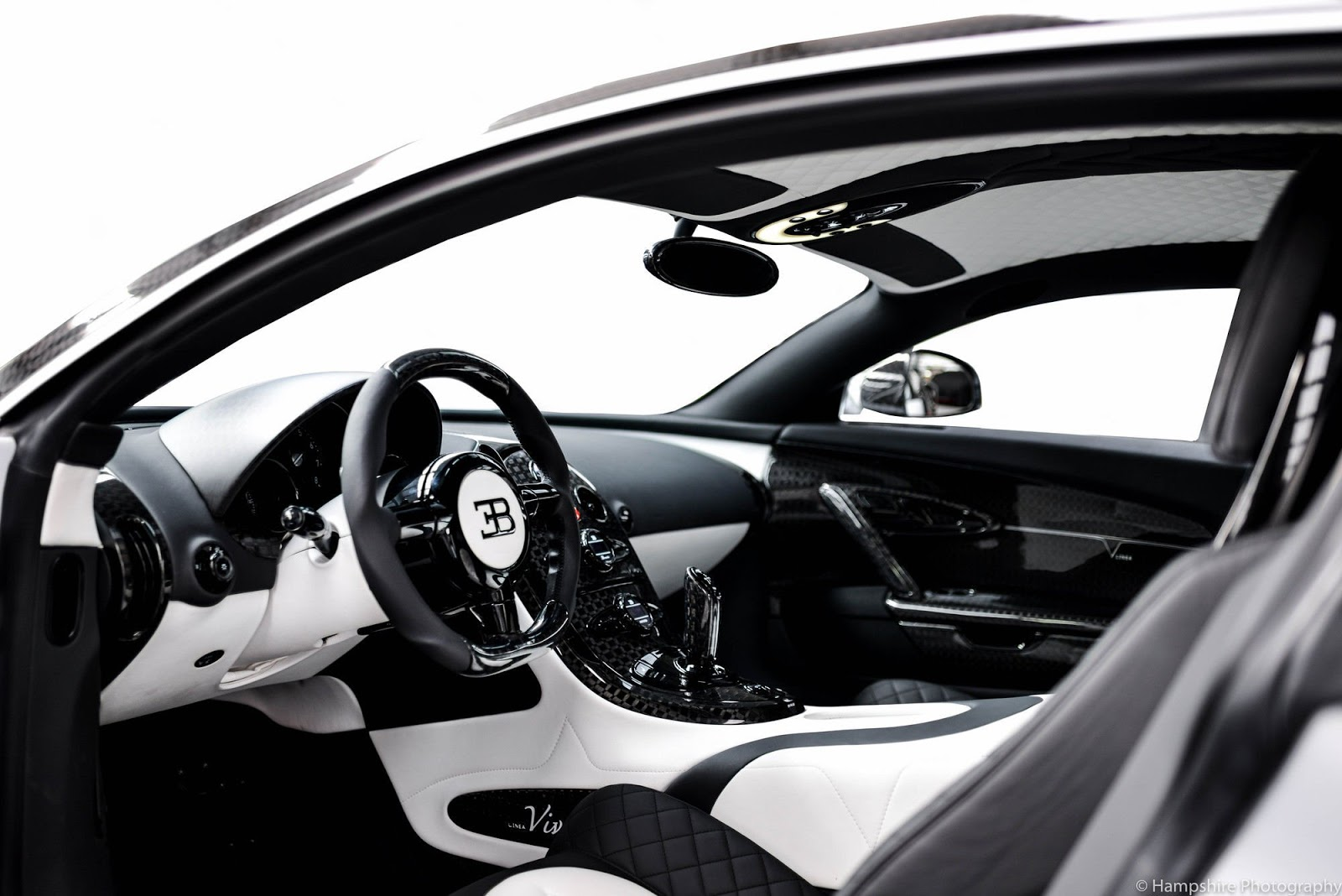 Bugatti_Veyron_Vivere_by_Mansory_05