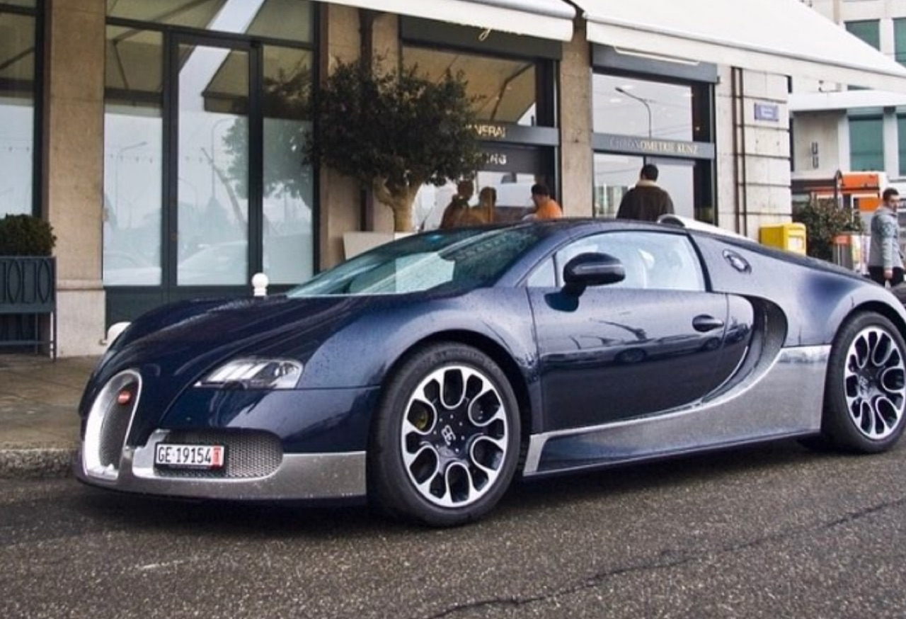 Buggati Collector (8)