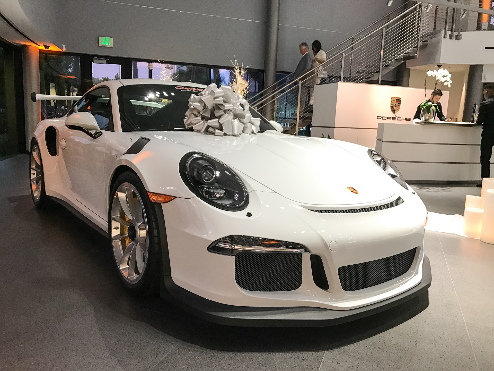 Champion Porsche wedding (1)