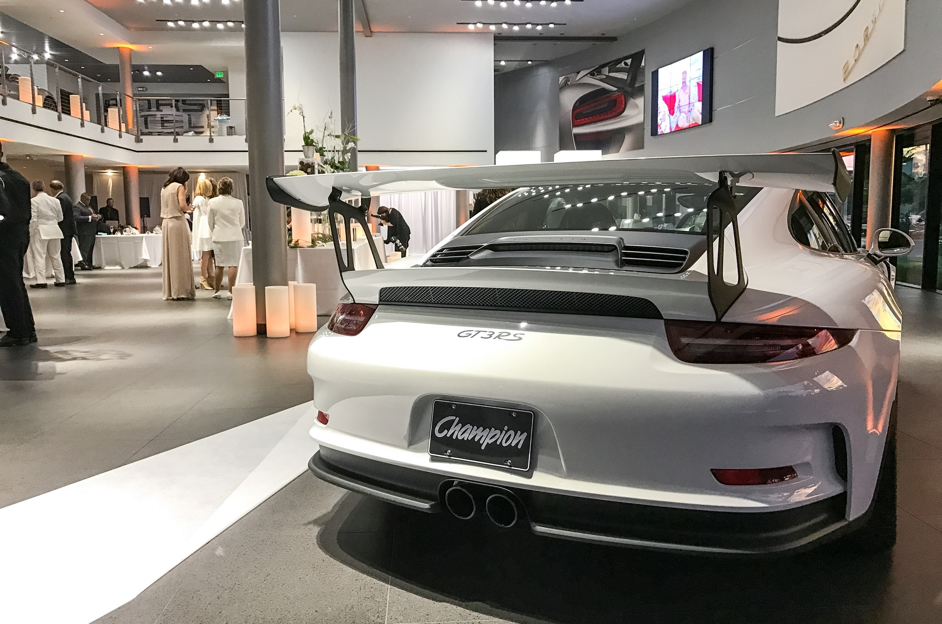 Champion Porsche wedding (6)