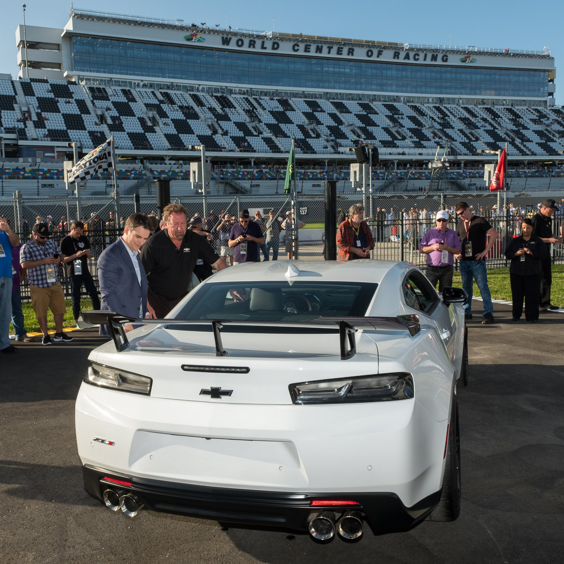 Chevy Unveils 2018 Camaro ZL1 1LE at Daytona