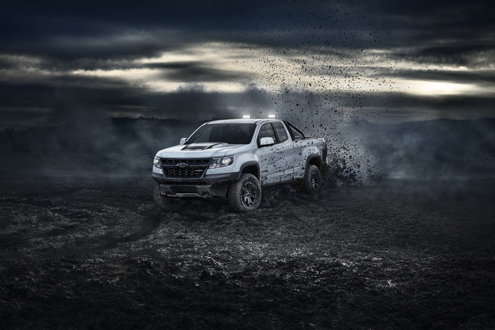 chevy-colorad-zr2-midnight-dusk-2