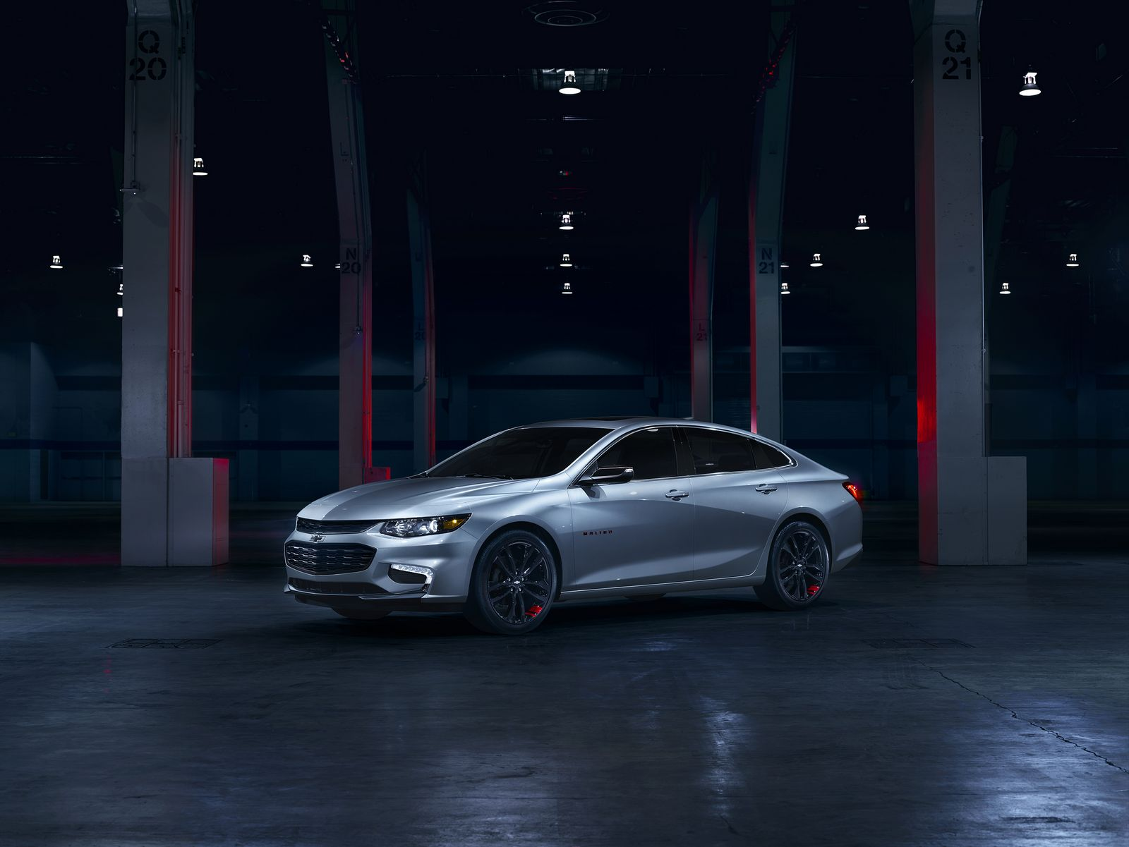 Offered on the LT trim level, Malibu Redline edition features black wheels with distinct red hash marks, bowtie logos, black nameplates with red outline, black grill and surround.